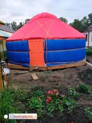 Юрта - круглогодичное жилье,  с защитой от холода,  жары,  ветра и дождя.